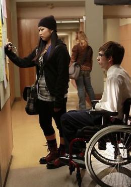 photo 191/316 - Kevin McHale, Jenna Ushkowitz - Saison 1, épisode pilote - Glee