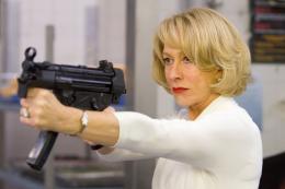photo 4/21 - Helen Mirren - Red - © SND