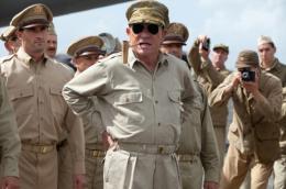 photo 9/36 - Tommy Lee Jones - Crimes de Guerre