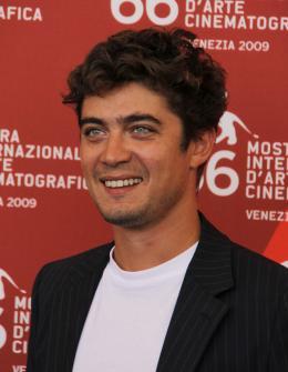 photo 20/41 - Riccardo Scamarcio - Présentation de Il grande sogno - Mercredi 9 septembre 2009 - Mostra de Venise - Le Rêve italien - © Isabelle Vautier - Commeaucinema.com 2009