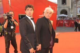 photo 36/41 - Riccardo Scamarcio et Michele Placido - Pr�sentation du film Il grande Sogno - Mercredi 9 septembre 2009 - Mostra de Venise - Le R�ve italien