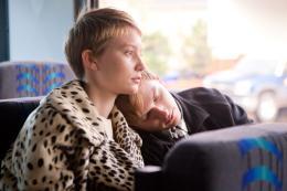 photo 12/19 - Mia Wasikowska - Restless - © Sony Pictures