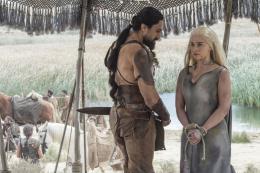photo 14/71 - Emilia Clarke, Joseph Naufahu - Saison 6 - Game Of Thrones - Saison 6 - © HBO
