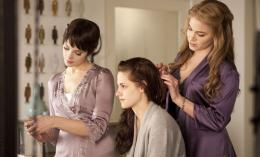 photo 20/45 - Ashley Greene, Kristen Stewart et Nikki Reed - Twilight - Chapitre 4 : R�v�lation 1�re partie - © SND