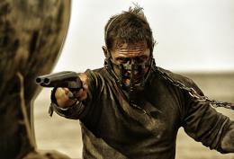 photo 12/134 - Tom Hardy - Mad Max : Fury Road - © Warner Bros