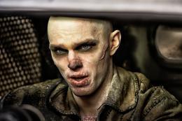 photo 18/134 - Nicholas Hoult - Mad Max : Fury Road - © Warner Bros