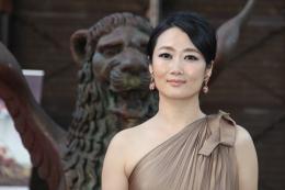 photo 13/13 - Zhao Tao - Pr�sentation du film Shun Li et le po�te, Venise 2011 - La Petite Venise - © Isabelle Vautier pour Commeaucinema.com