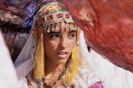 photo 12/97 - Hafsia Herzi - La Source des femmes - © Julian Torrès / © 2010 - ELZEVIR FILMS - OÏ OÏ OÏ PRODUCTION