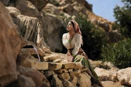 photo 20/97 - Leïla Bekhti - La Source des femmes - © Julian Torrès / © 2010 - ELZEVIR FILMS - OÏ OÏ OÏ PRODUCTION