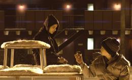 photo 12/23 - Kodi Smit-McPhee, Chloé Grace Moretz - Laisse-moi entrer - © Métropolitan Film