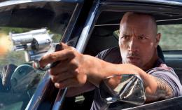 photo 12/19 - Dwayne Johnson - Faster - © Sony Pictures