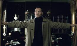 photo 41/76 - Jude Law - Sherlock Holmes 2 : Jeu d'ombres - © Warner Bros