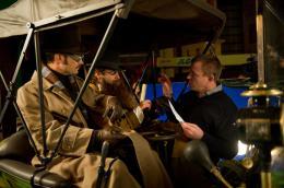 photo 19/76 - Jude Law, Robert Downey Jr., Guy Ritchie - Sherlock Holmes 2 : Jeu d'ombres - © Warner Bros