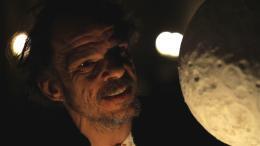 photo 2/5 - Denis Lavant - L'Oeil de l'astronome - © Les Films du paradoxe