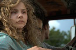 photo 5/12 - Chloe Grace Moretz - Killing Fields - © Metropolitan Film