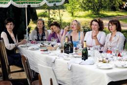 photo 5/12 - Aure Attika, Michèle Goddet, Emmanuelle Riva, Julie Delpy, Noémie Lvovsky, Valérie Bonneton - Le Skylab - © Mars Distribution