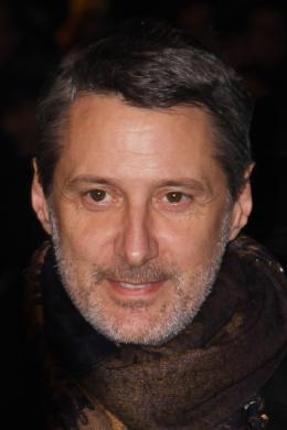 Antoine de Caunes Tapis rouge des César 2010 photo 4 sur 40