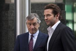 photo 12/20 - Robert De Niro, Bradley Cooper - Limitless - © Gaumont Distribution