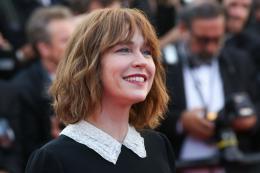 Marie-Josée Croze Cannes 2017 Clôture Tapis photo 1 sur 109