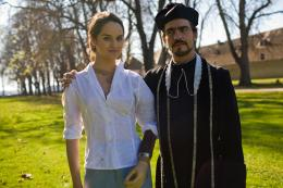 photo 7/11 - Noémie Merlant, Fabrice Ilia Leroy - L'Orpheline avec en plus un bras en moins - © Albany Films Distribution