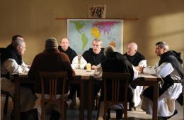 photo 3/39 - Lambert Wilson, Michael Lonsdale, Philippe Laudenbach, Olivier Rabourdin, Jacques Herlin - Des Hommes et des Dieux - © Mars Distribution