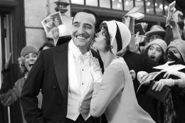 photo 21/126 - Jean Dujardin - The Artist - © Warner Bros