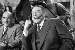 photo 24/126 - John Goodman - The Artist - © Warner Bros