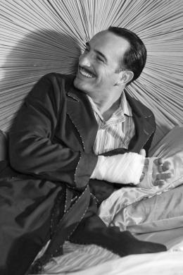 photo 4/126 - Jean Dujardin - The Artist - © Warner Bros