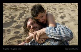 photo 22/30 - Emir Kusturica, Thibault Le Guellec - Nicostratos, le pélican - © Warner Bros