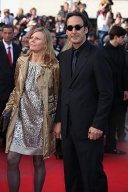 photo 75/82 - Alexandre Desplat et son épouse - Cannes, 14 mai 2010 - Le Guépard - © Isabelle Vautier - Commeaucinema.com 2010