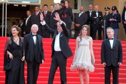 photo 39/82 - Claudia Cardinale, Gilles Jacob, Alain Delon, Anouchka Delon et Thierry Frémeaux - Cannes, 14 mai 2010 - Le Guépard - © Isabelle Vautier - Commeaucinema.com 2010