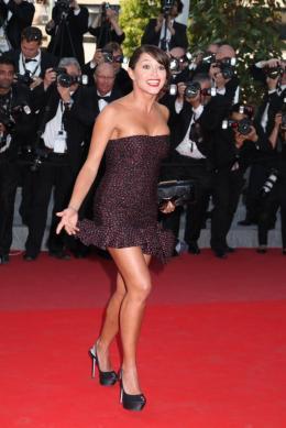 Emma De Caunes Mont�e des marches Fair Game - Cannes, le 20 mai 2010 photo 9 sur 50