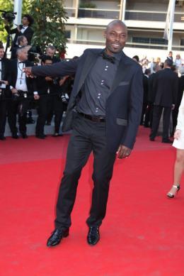 Jimmy Jean-Louis Montée des marches Fair Game - Cannes, le 20 mai 2010 photo 9 sur 25