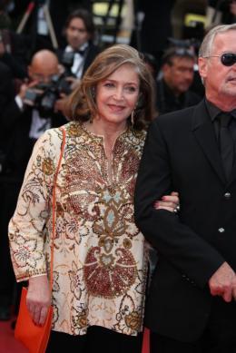 Fran�oise Fabian Montee des maches Hors-la-loi - Cannes, le 21 mai 2010 photo 9 sur 18