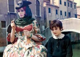photo 4/6 - Maria Grazia Buccella - Casanova, un adolescent � Venise - © Les Acacias