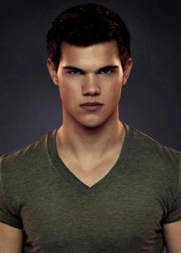 photo 28/73 - Taylor Lautner - Twilight - Chapitre 5 : Révélation 2ème partie - © SND