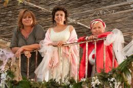 photo 3/13 - Mich�le Bernier, Isabelle de Botton, Mimie Mathy - Trois Filles en cavale - © TF1
