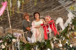 photo 1/13 - Mich�le Bernier, Isabelle de Botton, Mimie Mathy - Trois Filles en cavale - © TF1