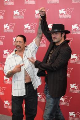 photo 42/79 - Robert Rodriguez et Danny Trejo - Pr�sentation du film Machete - Mercredi 1er Septembre 2010 - Machete - © Isabelle Vautier pour Commeaucinema.com