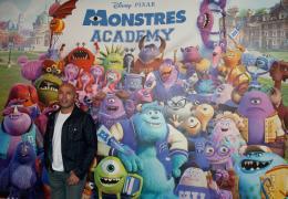 photo 71/185 - Éric Judor - Avant-Première à la Sorbonne - Monstres Academy - © Walt Disney Studios Motion Picture