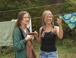 photo 7/25 - Kathryn Hahn, Jennifer Aniston - Peace, Love et plus si affinit�s - © Universal Pictures International France