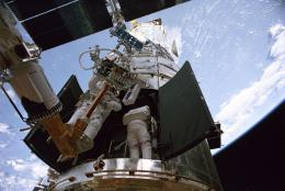 photo 1/2 - Hubble - Au délà des étoiles - © Les Productions de la Géode