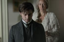 photo 12/28 - Daniel Radcliffe, Janet Mcteer - La Dame en noir - © Metropolitan Film