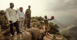 photo 21/27 - Thomas N'Gijol, Fabrice Eboué, Ibrahim Koma - Le Crocodile du Botswanga - © Mars Distribution
