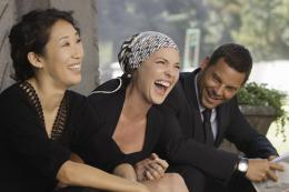 photo 1/8 - Sandra Oh, Katherine Heigl, Justin Chambers - Grey's Anatomy - saison 6 - © ABC Studios