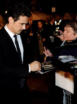 photo 46/59 - James Franco - Pr�sentation du film 127 Heures au London Film Festival 2010 - 127 Heures - © Samir Hussein