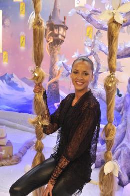 photo 92/111 - Noémie Lenoir - Avant-première Raiponce - 6 Novembre 2010 - Raiponce - © Walt Disney Studios Motion Pictures France