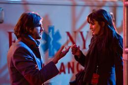 photo 64/74 - Ashton Kutcher, Lea Michele - Happy New Year - © Warner Bros