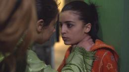 photo 3/4 - Soufia Issami - Sur la planche - © Epicentre Films