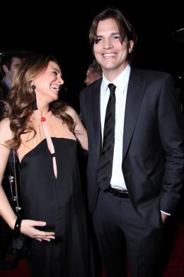 photo 29/83 - Natalie Portman, Ashton Kutcher - Sex Friends - © Universal